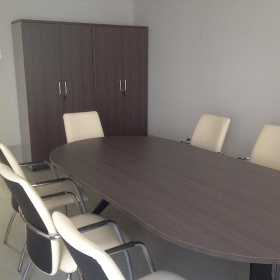 mesas de reunión, equipamiento oficinas