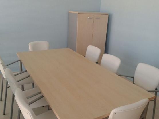 equipamiento sala reuniones
