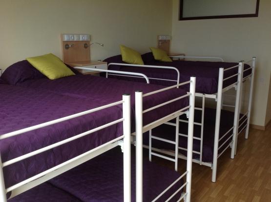Equipamiento habitaciones con literas
